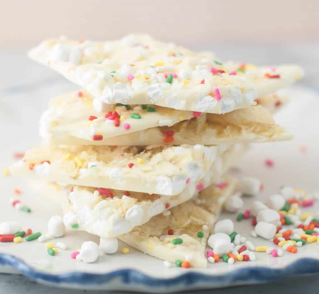 Marshmallow Bit-Potato Chip White Chocolate Bark!