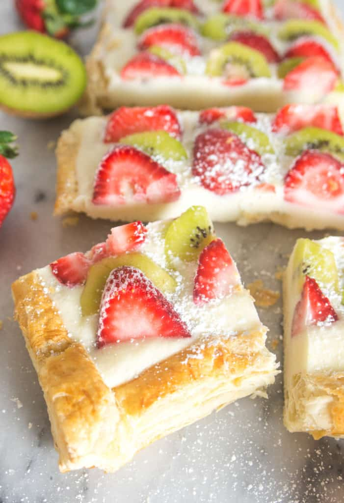 slices of the completed strawberry kiwi tart