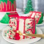 This is a must-serve dessert for your holidays parties! recipe via itsybitsykitchen.com #Christmas #cake #layercake